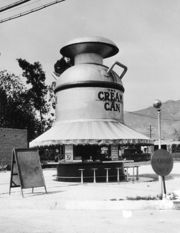 Shaped like a milk can, the Cream Can sold buttermilk (5 cents), orange juice, root beer and other beverages. (Photo via Los Angeles Public Library Collection)