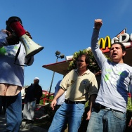 US-LABOR-PROTEST-FASTFOOD-WAGE
