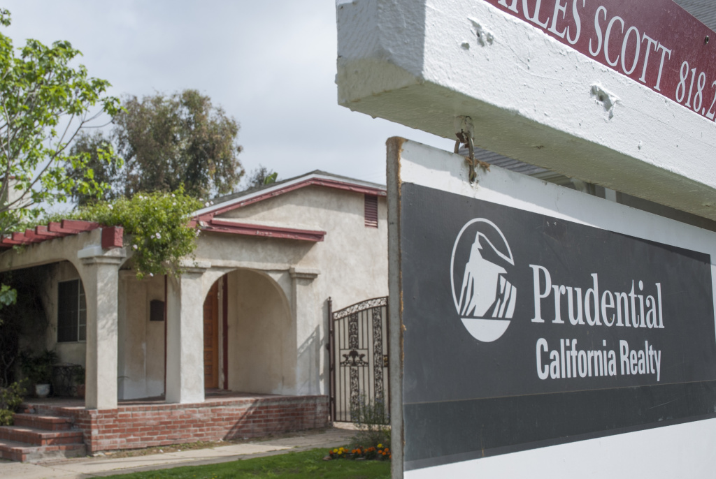 Real estate tracking firm CoreLogic said Tuesday that U.S. home prices soared 12.1 percent in April from a year earlier, the biggest gain since February 2006, as more buyers competed for fewer homes. (Photo: A for-sale sign in Central Los Angeles)