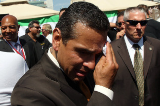 Mayor Villaraigosa tries to keep cool at last year's State of the City address