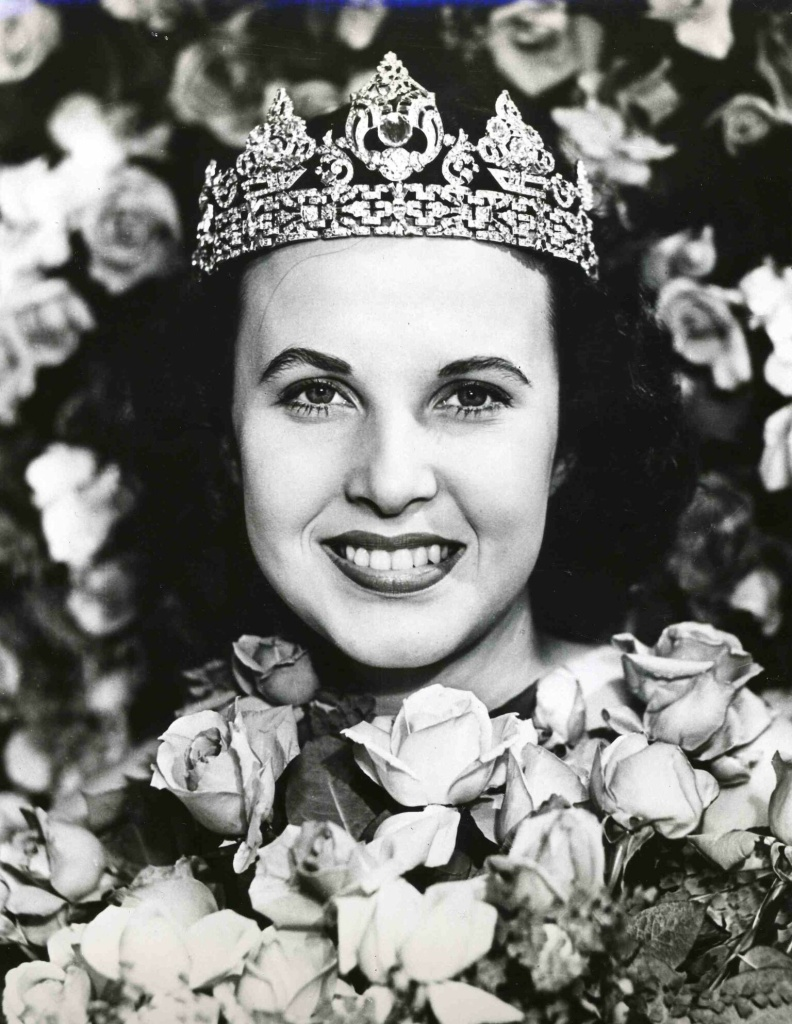 Margaret Huntley Main's official Rose Queen photo from 1940.