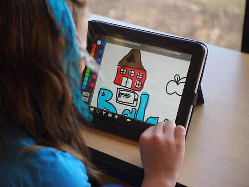 Los Angeles Unified may be headed toward a show down with Apple Inc. over the software installed for a controversial iPads program.