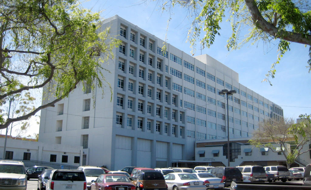 The state fined Harbor-UCLA Medical Center in Torrance $50,000 after a surgeon cut an artery during a knee replacement operation, leading to the patient's death.