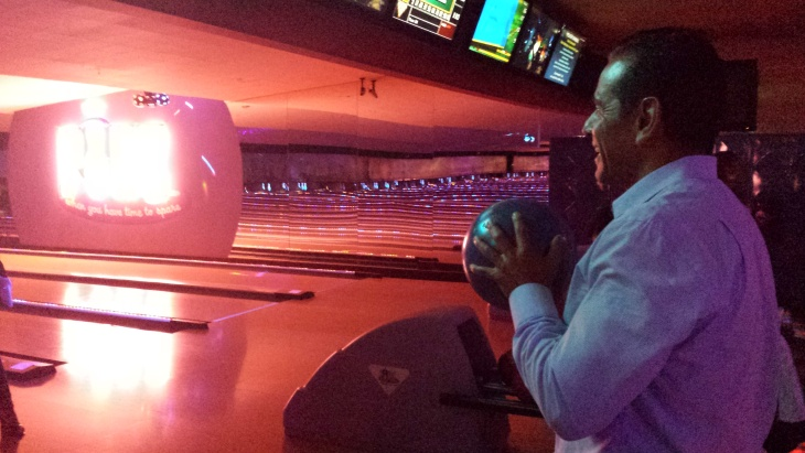 Outgoing Mayor Antonio Villaraigosa prepares to bowl at Pinz in Studio City. It was one of many stops along the way on his 24-hour