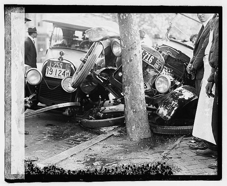 A car crash in Washington, D.C. from the early days of automobiles in cities.