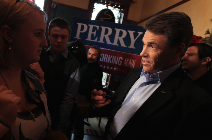 Rick Perry Campaigns At Iowa Coffee Shop