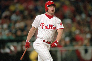 Lenny Dykstra #4 of the Philadelphia Phillies bats during Game three of the 1993 World Series against the Toronto Blue Jays at Veterans Stadium on October 19, 1993 in Philadelphia, Pennsylvania.