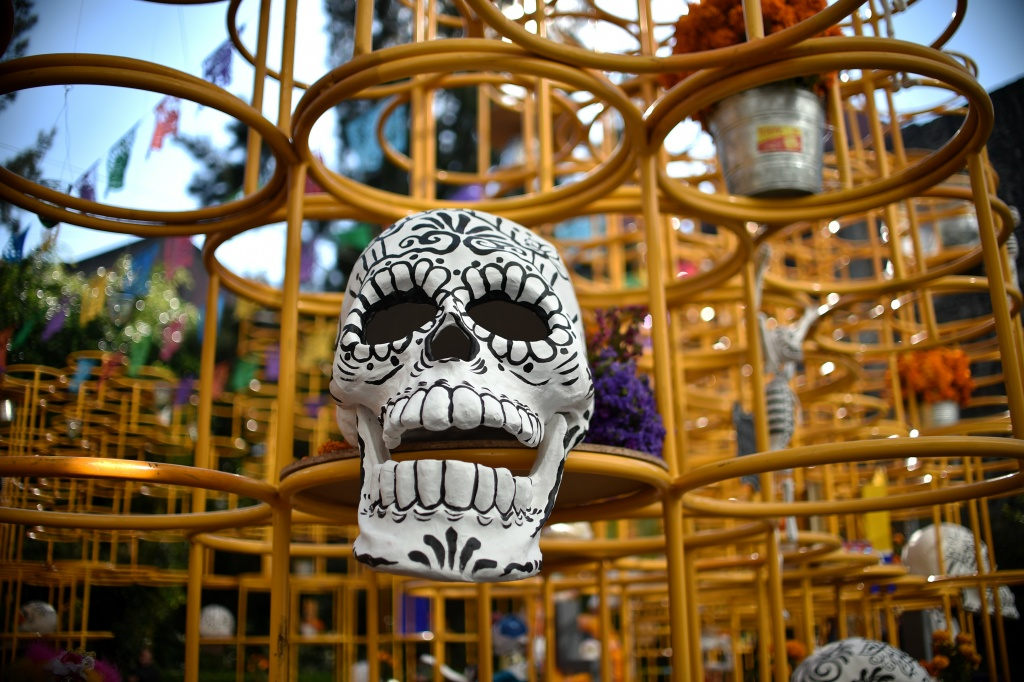 A cardboard skull at the exhibition and contest of altars organized by the Historic Centre Foundation in the framework of the Day of the Dead, in Mexico City on November 1, 2016.