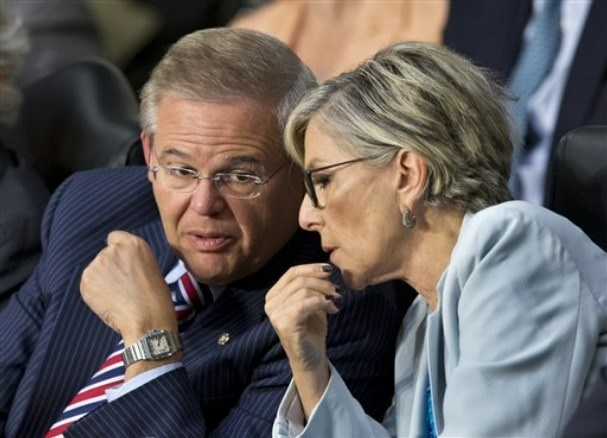 U.S. Senator Barbara Boxer (D-CA) conferred with Robert Menendez (D-NJ) during this week's meeting of the Senate Foreign Affairs Committee.