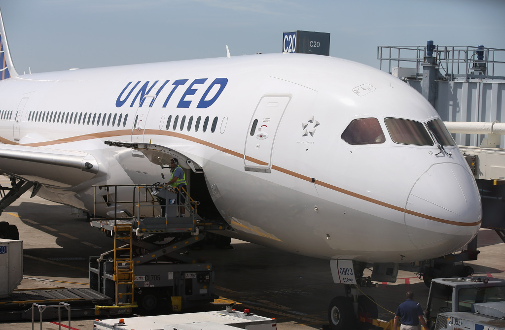 A United Airlines Boeing 787 Dreamliner is prepared for a flight at O'Hare International Airport after it arrived from Houston with United CEO Jeff Smisek, Boeing Company CEO Jim McNerney and more than 250 other passengers on board May 20, 2013 in Chicago, Illinois.