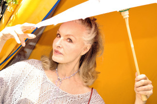 Actress Julie Newmar poses during the 2008 DPA Garden Party gift suite held at Frederic Fekkai on May 30, 2008 in Beverly Hills, California.  Newmar had reported jewelry stolen from her home then found her property on eBay.