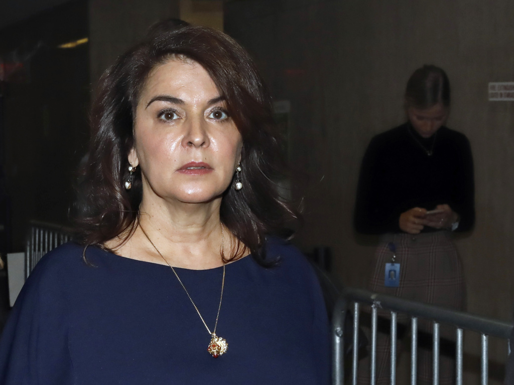 Actress Annabella Sciorra described in detail the alleged assault by Harvey Weinstein during his trial on Thursday.