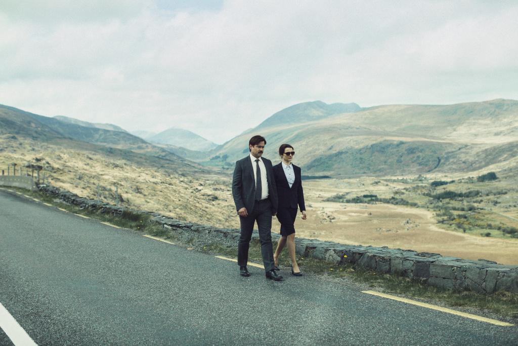 Colin Farrell and Rachel Weisz star in