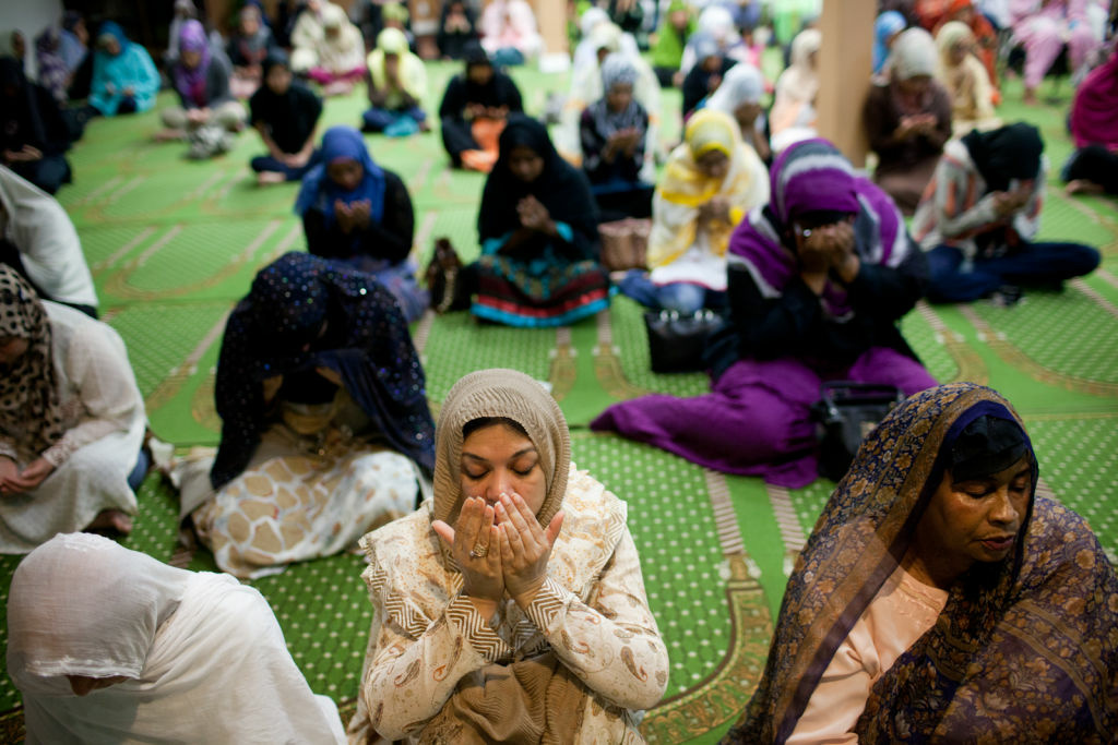 Women pray at theIslamic Center of Southern California