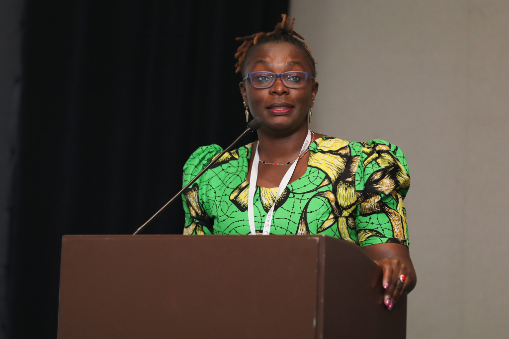 As a young woman, pregnant and HIV-positive, Maurine Murenga did not have easy access to drugs that could save her life. Today she is an activist for equitable health-care. The global distribution of coronavirus vaccines is an issue of concern.