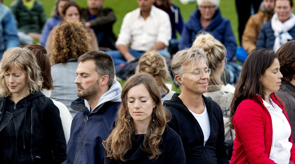 Mindfulness has been lauded as an effective meditation practice to bring people into the present moment.