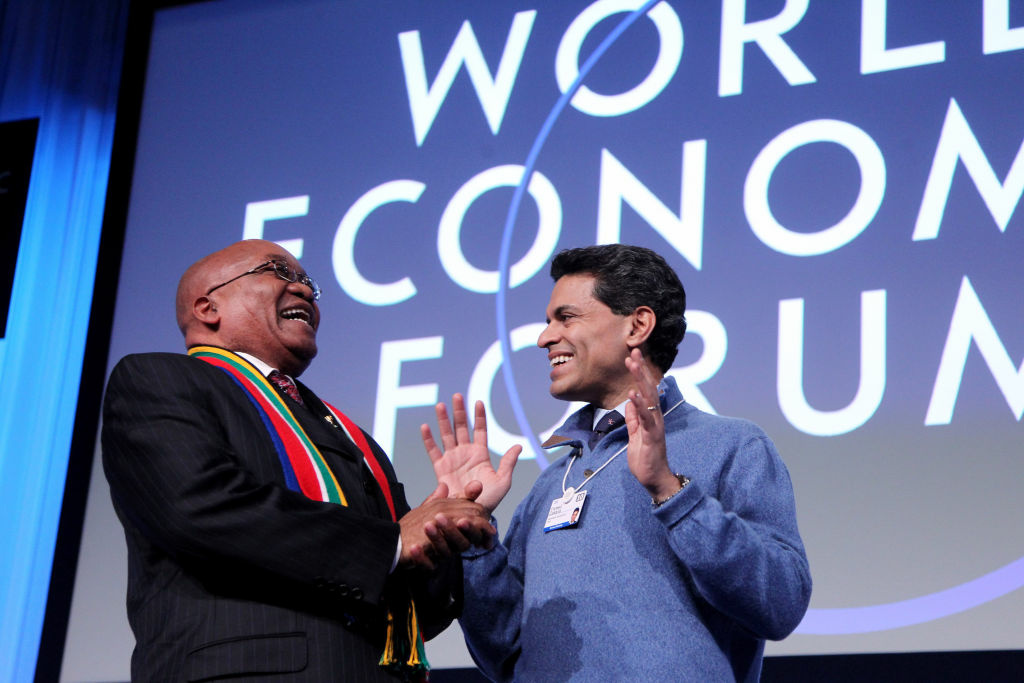 South African President Jacob Zuma (L) shares a light moment with Fareed Zakaria in 2010.
