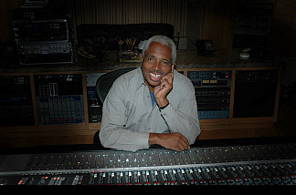 Keyboard player and record producer Clarence McDonald, in the studio. (Credit: Susan McDonald)
