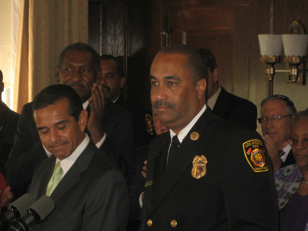 LA Mayor Antonio Villaraigosa and Interim Fire Chief Millage Peaks