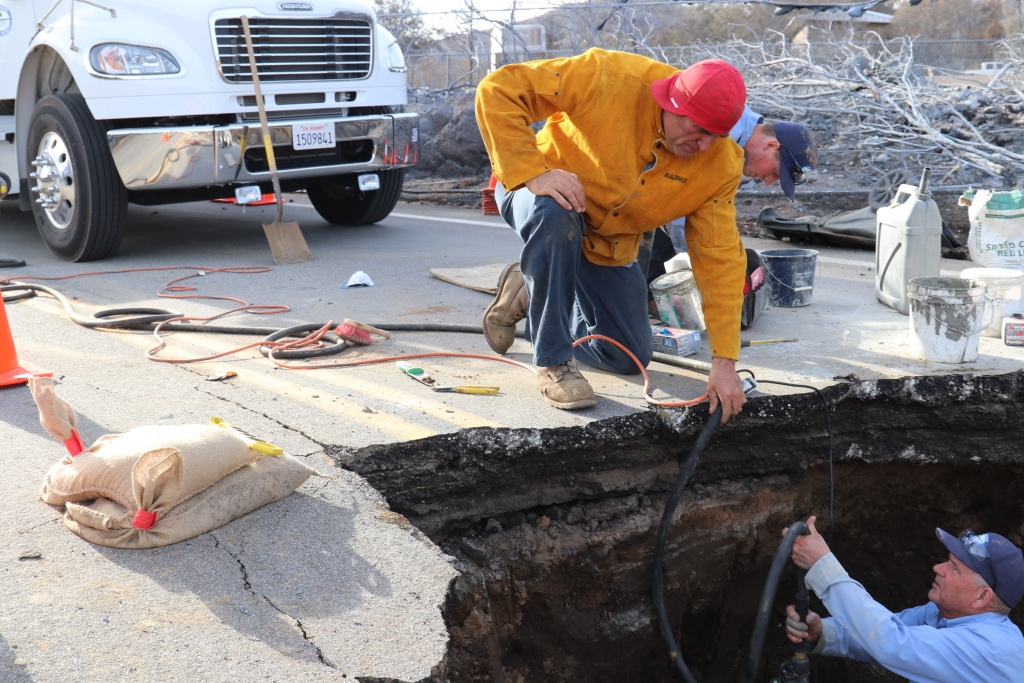 Workers repair a water main break after the Woolsey Fire. Photo courtesy of Las Virgenes Municipal Water District.