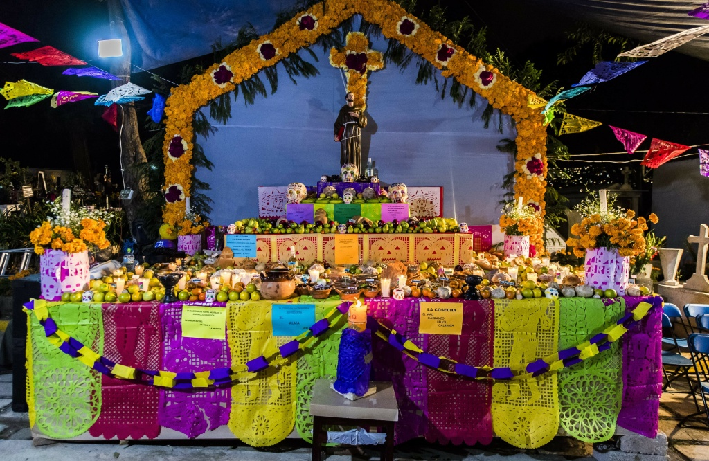 A typical Altar of the Dead is seen at San Francisco Cemetery in Mexico City on November 1, 2016.