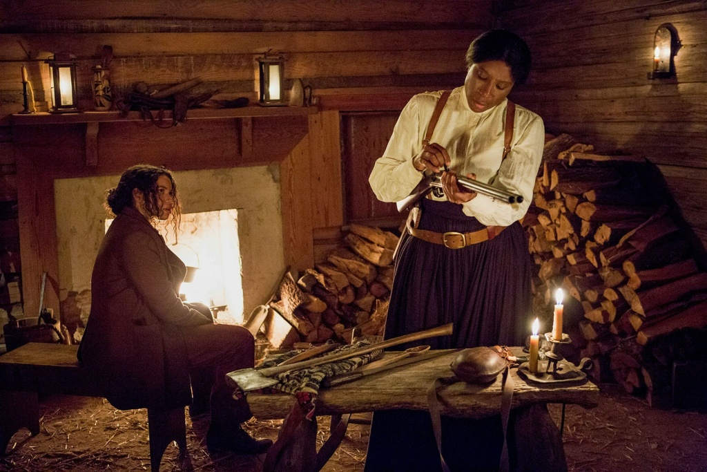 Jurnee Smollett-Bell as Rosalee and Aisha Hinds as Harriet Tubman in the WGN