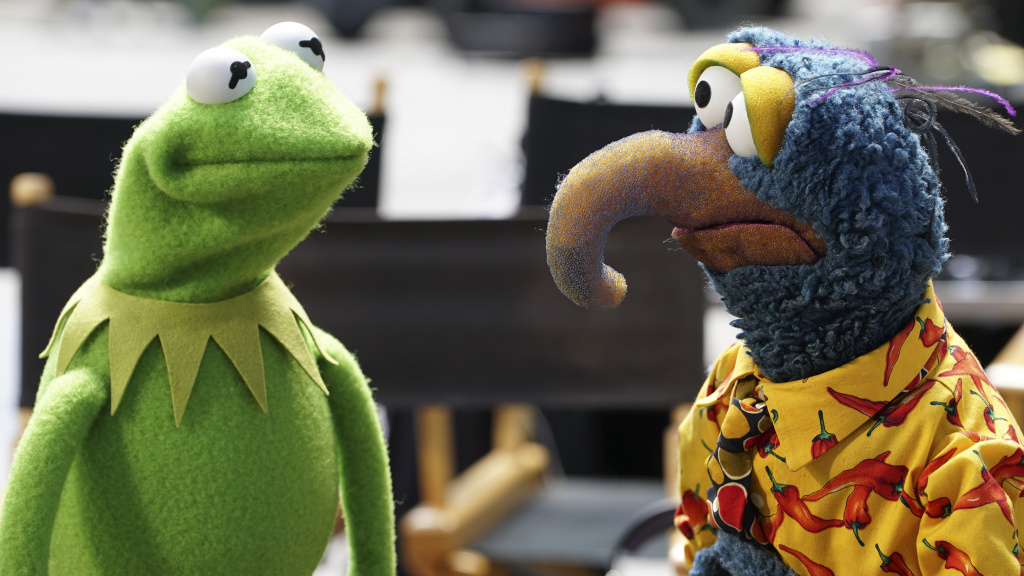 Kermit the Frog speaks to Gonzo the Great in a scene from ABC's