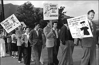 Striking cartoonists picket Disney, 1941.