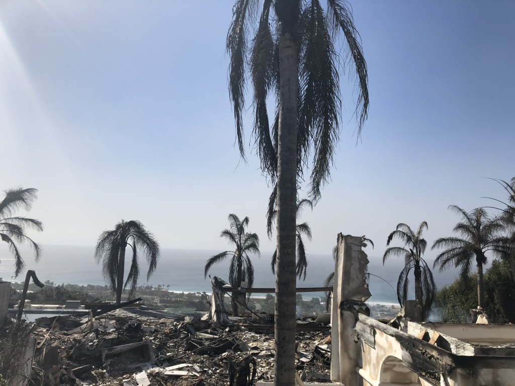 A burnt out house in the hills above central Malibu, CA. (Matt Tinoco/KPCC)