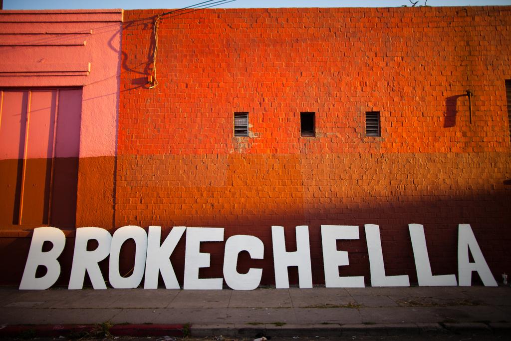 Brokechella sign.