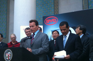 Governor Arnold Schwarzenegger with Los Angeles Mayor Villaraigosa outside L.A. City Hall during a press conference announcing Chinese car maker BYD is going to put its corporate headquarters in Los Angeles.