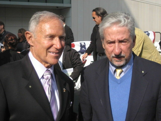 Former LAPD Chief Daryl Gates, left, and Former State Senator Tom Hayden, an arch-critic of the LAPD, at ceremonies marking the appointment of Chief Charlie Beck.