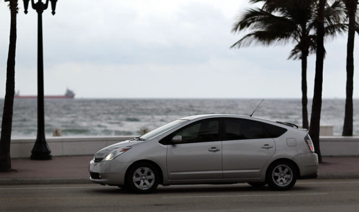 Toyota Announces Prius Recall Due To Brake Issue