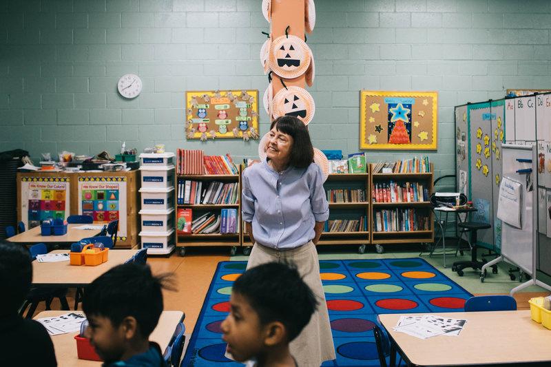 Alice Callaghan watches as students practice their English at Las Familias Del Pueblos in Los Angeles.