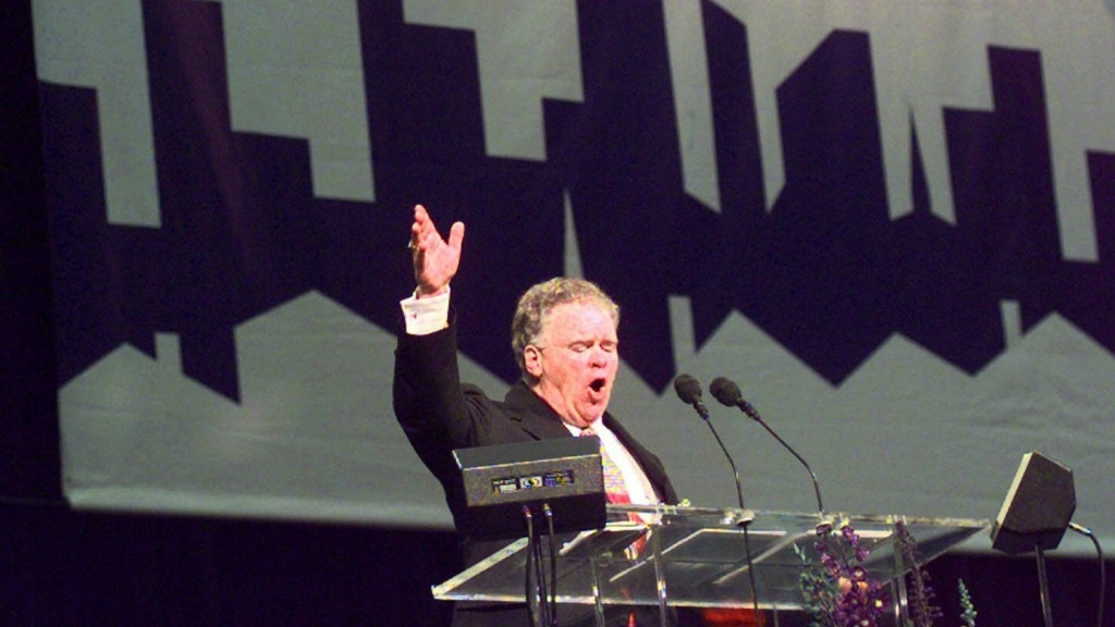 Southern Baptist Convention President Paige Patterson gestures as he makes his opening speech to the Southern Baptist Convention in June 1999 at the Georgia Dome in Atlanta.