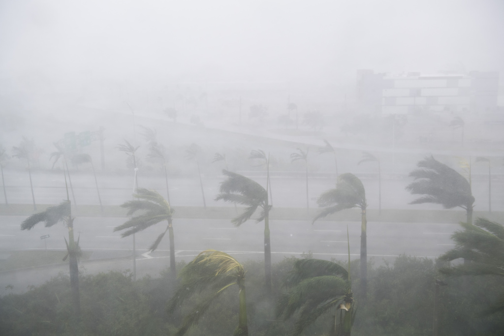 Heavy winds and rain from Hurricane Irma are seen in Miami, Florida, September 10, 2017. Hurricane Irma's eyewall slammed into the lower Florida Keys, lashing the island chain with fearsome wind gusts, the US National Hurricane Center said. / AFP PHOTO / SAUL LOEB        (Photo credit should read SAUL LOEB/AFP/Getty Images)
