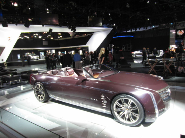 Cadillac's Ciel concept convertible is old school but drop-dead gorgeous. Luxury with the top down rarely looks this smashing.