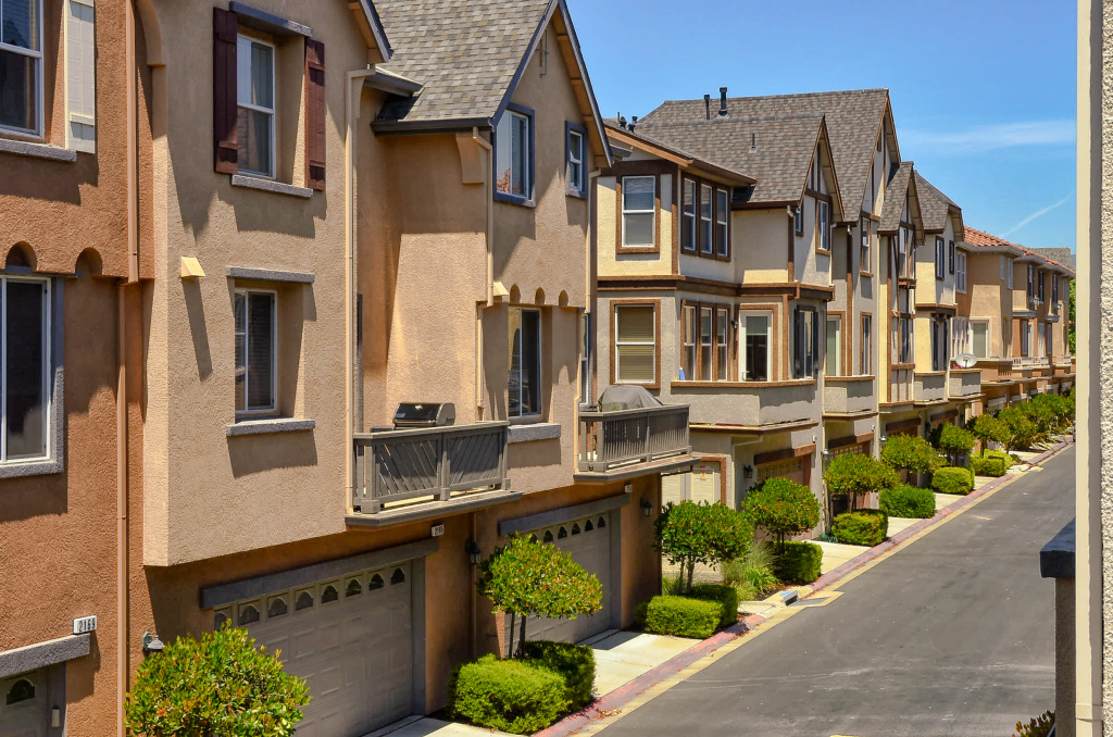 Does the structure of condos and townhouses with mandatory HOA fees appeal to you?