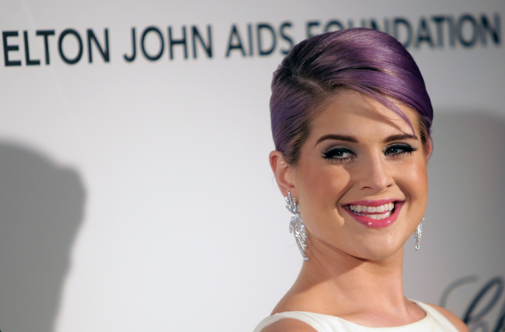 Kelly Osbourne arrives for the 21st Annual Elton John AIDS Foundation's Oscar Viewing Party February 24, 2013 in Hollywood, California.
