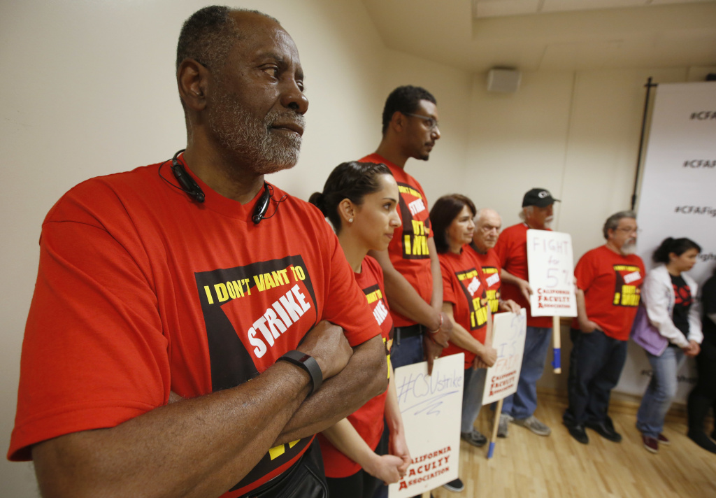 Cal State system and faculty union in talks to avert strike