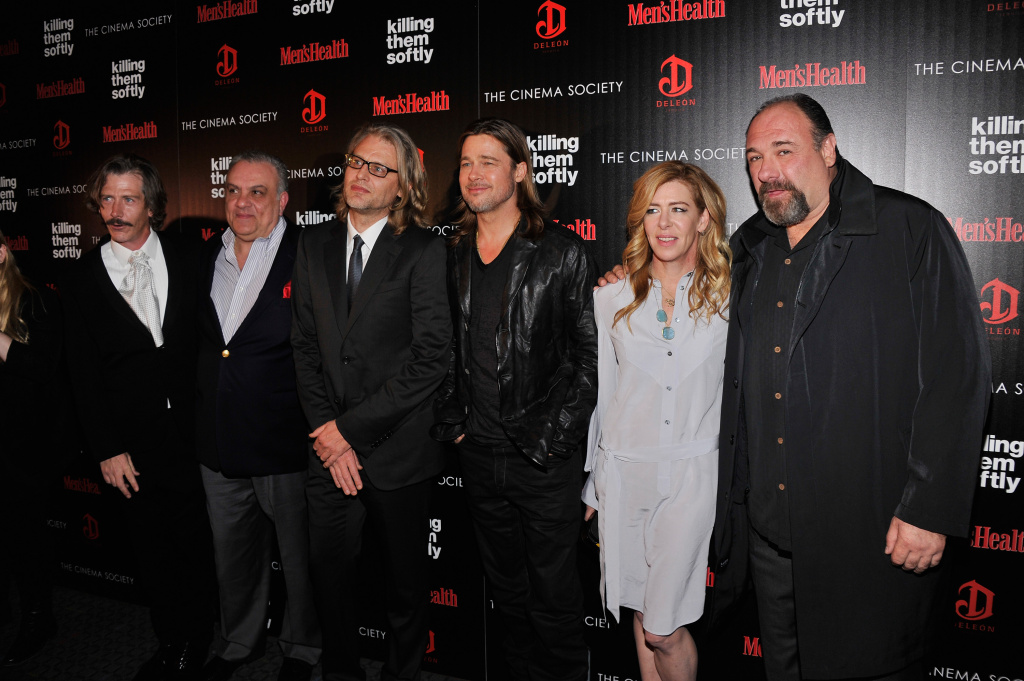(L-R) Ben Mendelsohn, Vincent Curatola, Andrew Dominik, Brad Pitt, Dede Gardner, and James Gandolfini attend The Cinema Society with Men's Health and DeLeon hosted screening of The Weinstein Company's