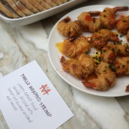 Services like Munchery set a weekly menu of dishes that can be ordered for delivery and only feature organic ingredients.