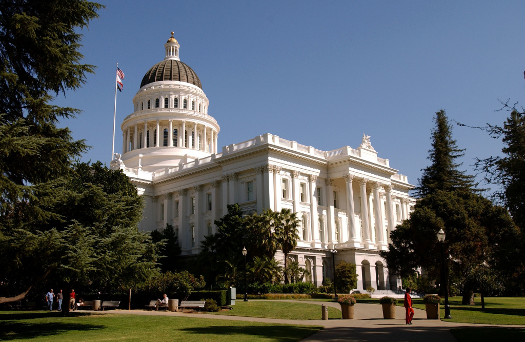 SACRAMENTO, CA - OCTOBER 9:  The California state Capitol building is shown October 9, 2003 in downtown Sacramento, California. Actor Arnold Schwarzenegger won in his bid to replace California Gov. Gray Davis, who was recalled in a special election October 7.  (Photo by David Paul Morris/Getty Images)