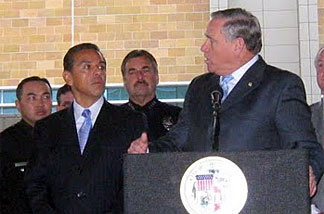 Councilman Greig Smith at a press conference and signing ceremony with Mayor Villaraigosa, LAPD Chief Beck, Councilmembers Perry and LaBonge for Smith's motion to loan funds to pay for jail staff.