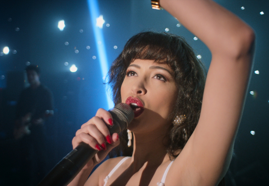 A new Netflix series chronicles the life of young Tejano music star Selena Quintanilla