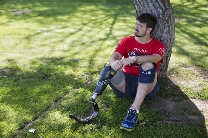 Two days after his accident in 2013, Damian Kevitt decided that he wanted to run the LA Marathon after his recovery.