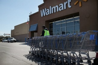 New and remodeled stores in Los Angeles would be required to have on-site containment systems for shopping carts under an ordinance approved today by a Los Angeles City Council committee.