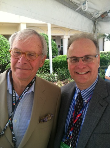 Larry Mantle (R) interviews Tom Brokaw at the 2012 Republican National Convention.