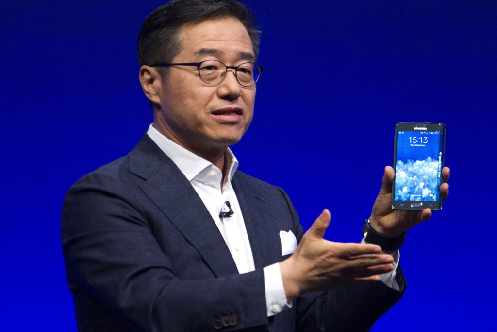 Executive Vice President of electronics giant Samsung, D. J. Lee, presents the Samsung Galaxy Note Edge, a new smartphone device, on the eve of the opening of the consumer electronics trade fair Internationale Funk Ausstellung (IFA) at the Tempodrom hall in Berlin on Sept. 3, 2014.