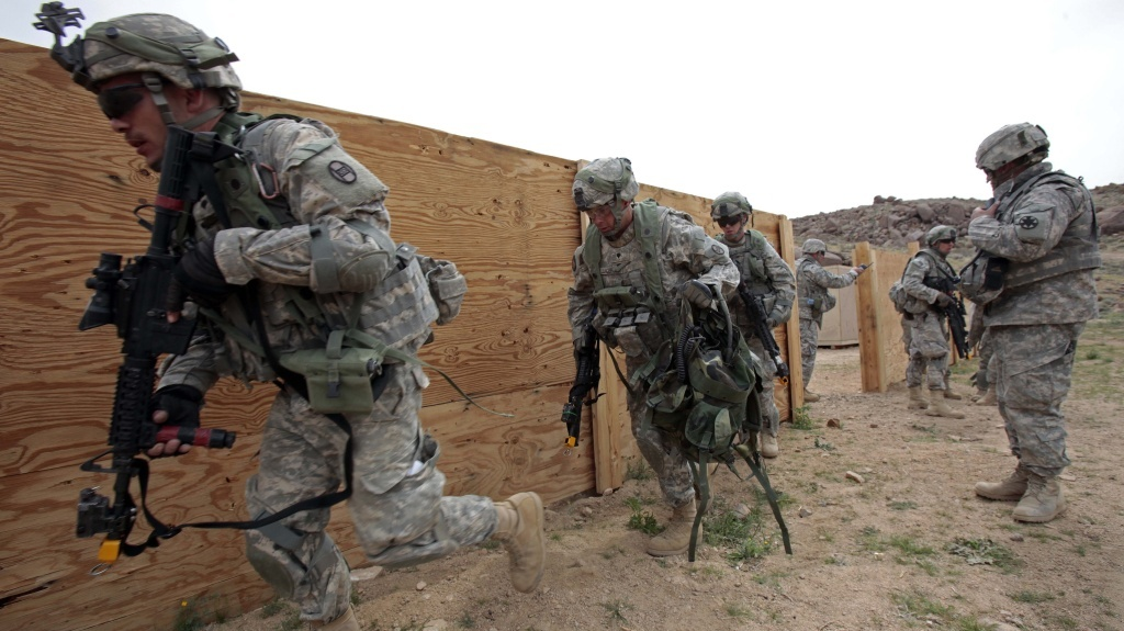 File: Soldiers assigned to the 120th Combined Arms Battalion, 30th Heavy Brigade Combat Team, participate in desert training at the National Training Center at Fort Irwin in 2009.